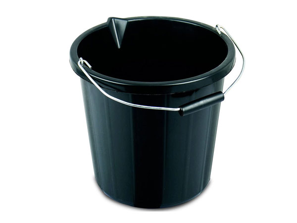 plastic builders bucket